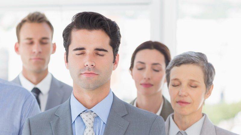 Tietoinen läsnäolo mindfulness työpaikalla työyhteisössä työssä